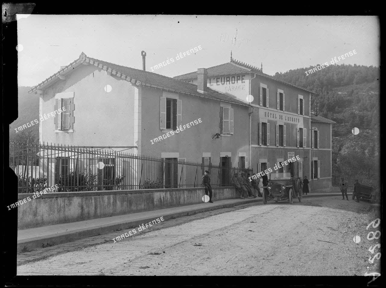 Clermont-Ferrand. Hôpital Saint-Hippolyte. Pavillon Verneuil. [légende d'origine]