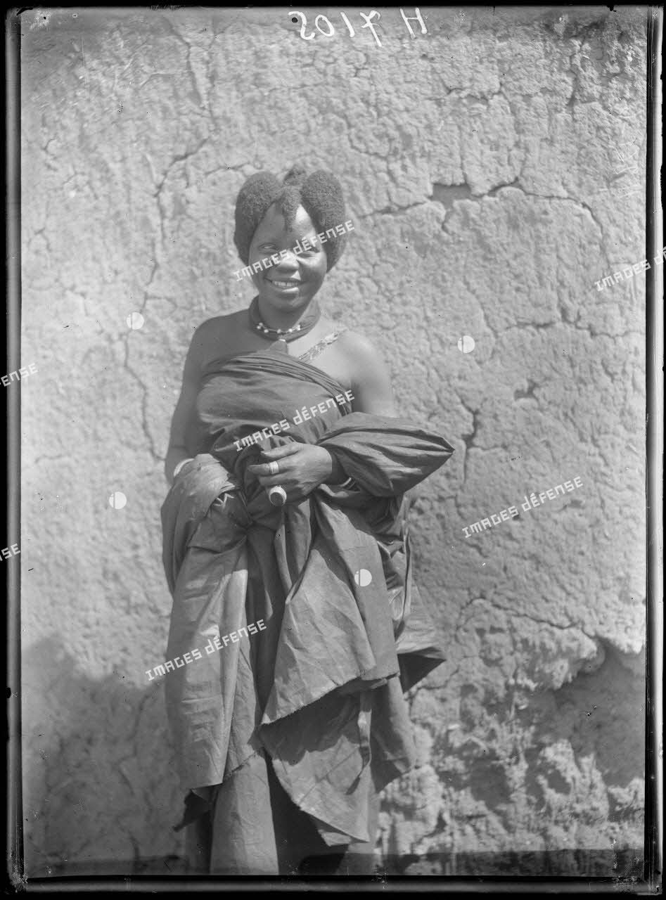 Karnak- Logone. Femme bornouan. [légende d'origine]