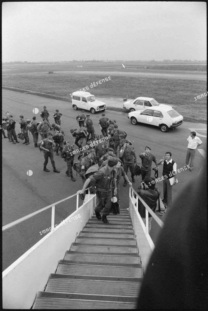 Embarquement des soldats français pour Beyrouth à Toulouse-Blagnac.