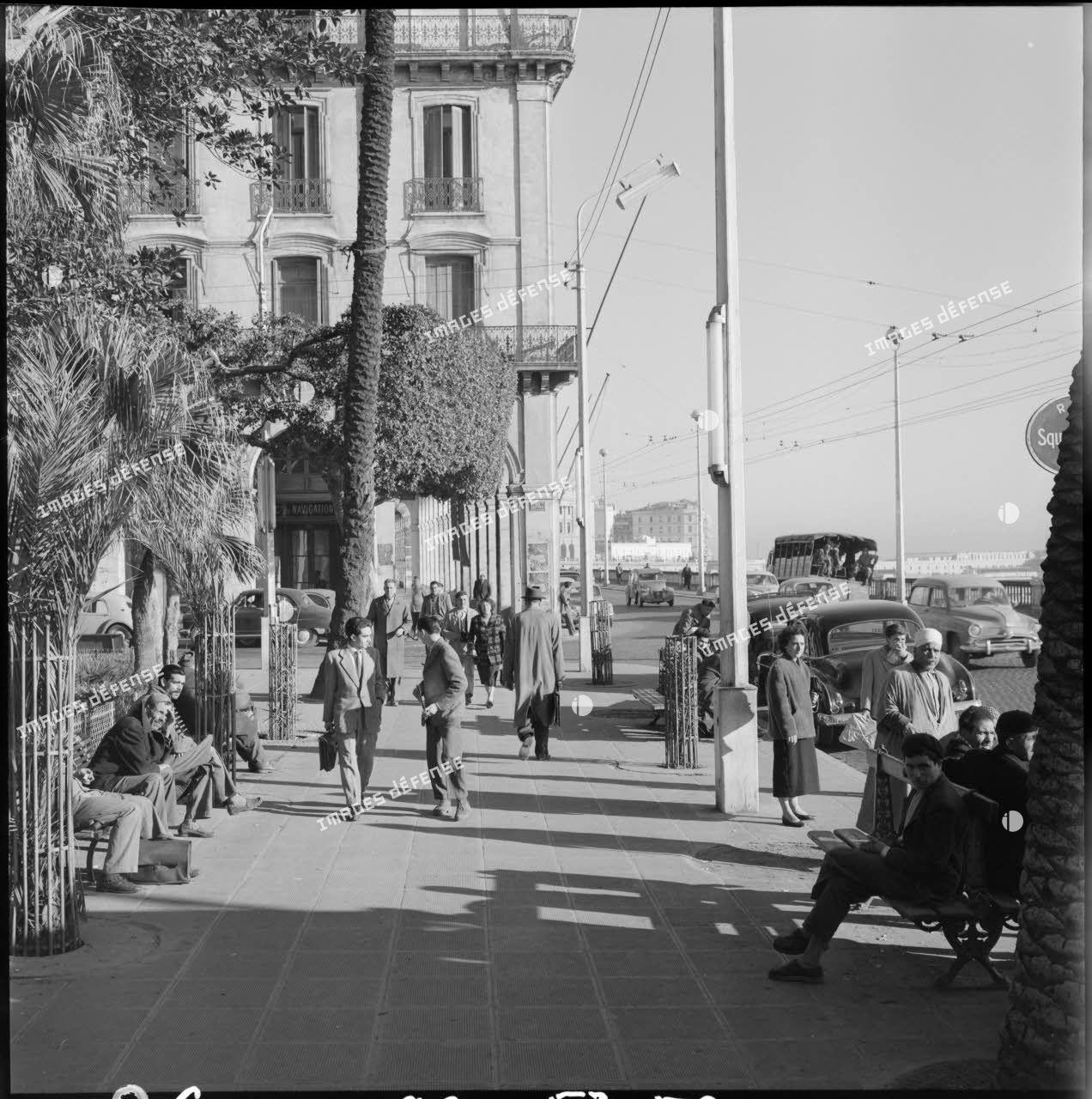 Vue du boulevard de la République depuis le square Bresson.