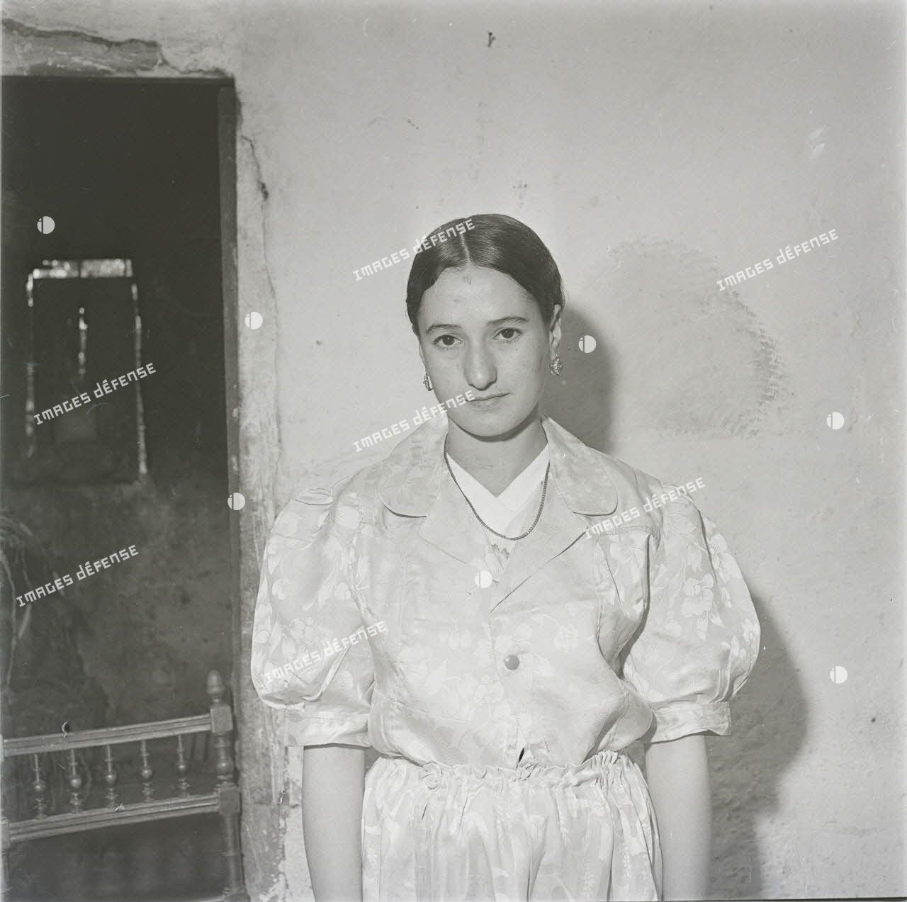 12 mai 1959, identité femmes indigènes. [légende d'origine]