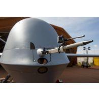 Prise de vue technique d'un drone MALE (moyenne altitude longue distance) de reconnaissance General Atomics MQ-9 Reaper, mis en oeuvre par le détachement drône français de l'escadron 1/33 Belfort, sur la base aérienne de Niamey. Détail du nez.