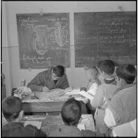 Enseignement à l'école du centre de Saïda.