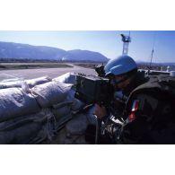 Mise en place d'une cellule TACP (Tactical Air Control Party) sur l'aéroport de Sarajevo.