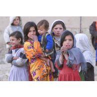 Petites filles afghanes.