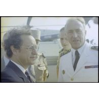 Georges Lemoine, secrétaire d'Etat à la Défense, en visite à Beyrouth (Liban).