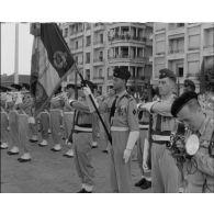 Prise d'armes du 14 juillet 1957 à Alger.