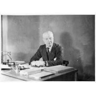 Portrait de l'ingénieur principal Jean Blech du SCA .