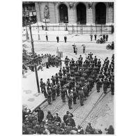 La fête du travail à Marseille placée sous la présidence du général d'armée Charles Huntziger.