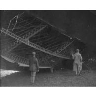 Zeppelins abattus, décollages d'avions, mécaniciens ; divers aviation 1916-1918.
