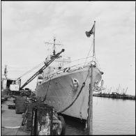 Le destroyer égyptien Ibrahim el Awal dans le port de Haïfa.