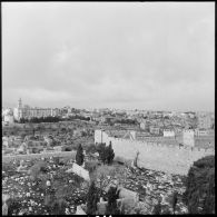 Vues de la ville de Jérusalem, en zones jordanienne et israélienne.