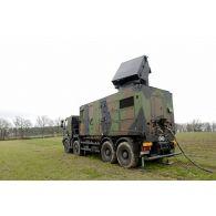 Module radar IFF (identification friend of foe) d'une section SAMP/T Mamba lors de l'exercice Nawas 2012.