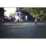 Match de foot sur terrain vague - reste du collège - bâtiment du S.M.C.B. [légende d'origine]
