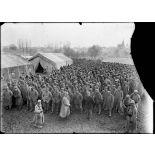 Au camp de Souilly dans la Meuse, rassemblement de prisonniers allemands [légende d'origine]