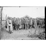 Camp de Souilly, Meuse. Rassemblement des prisonniers allemands. [légende d'origine]