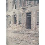 Reims. Rue Saint-André, une heure après le bombardement. [légende d'origine]