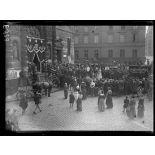 Paris. Obsèques de Mr Emile Faguet devant St Etienne du Mont (10 juin 1916). [légende d'origine]