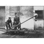 [Appareil d'expérience - Scie disposée pour la coupe des supports, novembre 1914.]