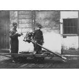 [Appareil d'expérience - Scie disposée pour la coupe des fils, novembre 1914.]