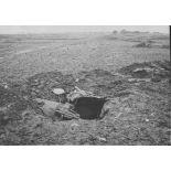 V2673 / 14. Lisière de Cachy (Somme). Nos premières lignes de tranchées.