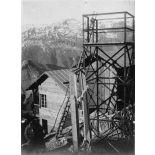 Pylone observatoire du sommet en construction. [légende d'origine]