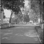 Allées et bâtiments de l'hôpital militaire Lanessan.