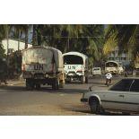 Convoi de casques bleus français en route pour Sihanoukville.