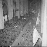La messe de commémoration de la naissance du maréchal de Lattre et de la libération de Colmar à la cathédrale Saint-Joseph d'Hanoï.