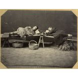 Fumeurs d'opium. [légende d'origine]
