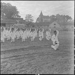Une promotion d'élèves officiers du Bao Chinh Doan prête serment.
