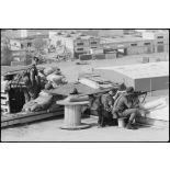 Légionnaires du 2e REP au sommet du silo du port de Beyrouth.