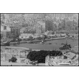 Arrivée des camions transportant des soldats palestiniens dans le port de Beyrouth.