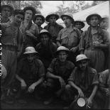 Groupe de légionnaires du 2e bataillon du 3e REI (régiment étranger d'infanterie) lors de leur libération à Viet Tri.