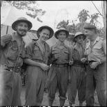 Groupe de parachutistes lors de leur libération à Viet Tri.