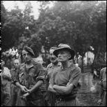 Le lieutenant-colonel Bigeard, et le colonel Langlais, faits prisonniers à  Diên Biên Phu, sont pris en charge à l'hôpital Lanessan à Hanoï après leur libération.
