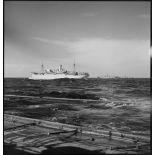 Vue bâbord de cargos faisant partie d'un convoi entre la France et l'AFN.