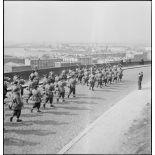 Fanfare d'une unité de chasseurs à Brest.