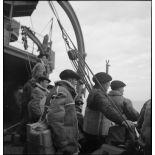 Groupe de chasseurs alpins à bord du paquebot/transport de troupes El Mansour.