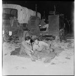 Des fantassins font une halte pour la nuit dans le secteur de Dublineau.