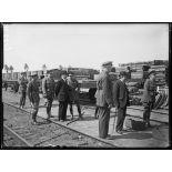Audruicq (Pas-de-Calais). Mr. Briand visite les chantiers de construction de locomotives et de matériel anglais. 25-6-16. [légende d'origine]