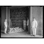 Calais. Les entrepôts de pain. 25-6-16. [légende d'origine]