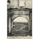 2. Ber-Rachid. - La Cavalerie massée devant la Porte de la Casbah. [légende d'origine]