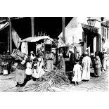 Port-Saïd. Marchands de canne à sucre. [légende d'origine]